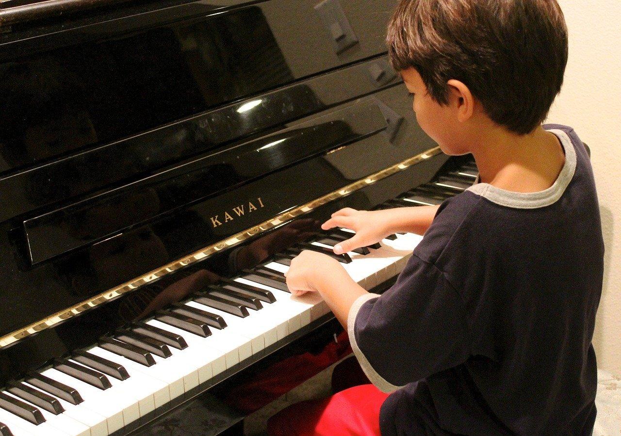 piano-apprentissage-enfant